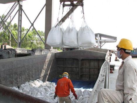 4 tháng: Xuất khẩu 14,94 triệu tấn xi măng và clinker